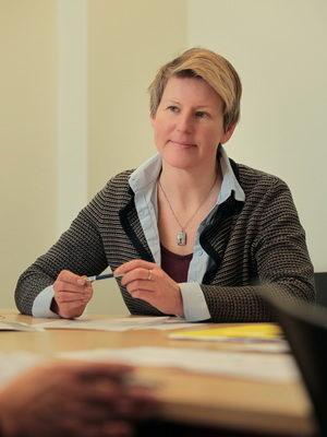 Dr Sylwia Holmes